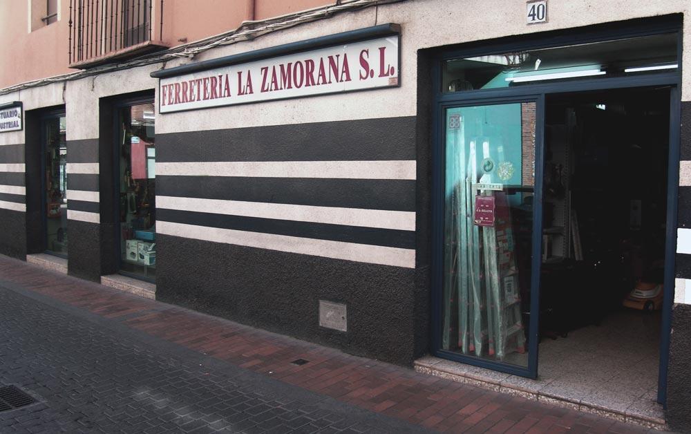 Ferretería La Zamorana en calle Mesones